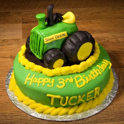 http://www.cremedelacakes.ca - John Deere Tractor