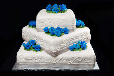 http://www.cremedelacakes.ca - Square 3-tier Wedding Cake with Fondant Roses