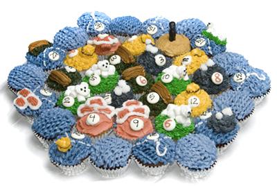 http://www.cremedelacakes.ca - Settlers of Catan Cupcake Cake