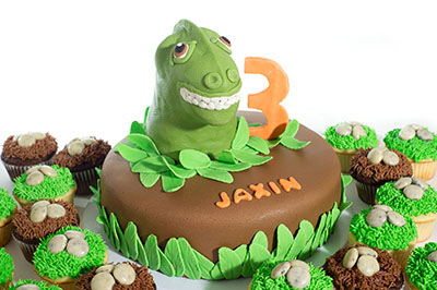 http://www.cremedelacakes.ca - Dinosaur Head