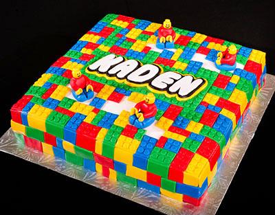 http://www.cremedelacakes.ca - Lego Cake