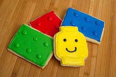 http://www.cremedelacakes.ca - Cookies - Lego