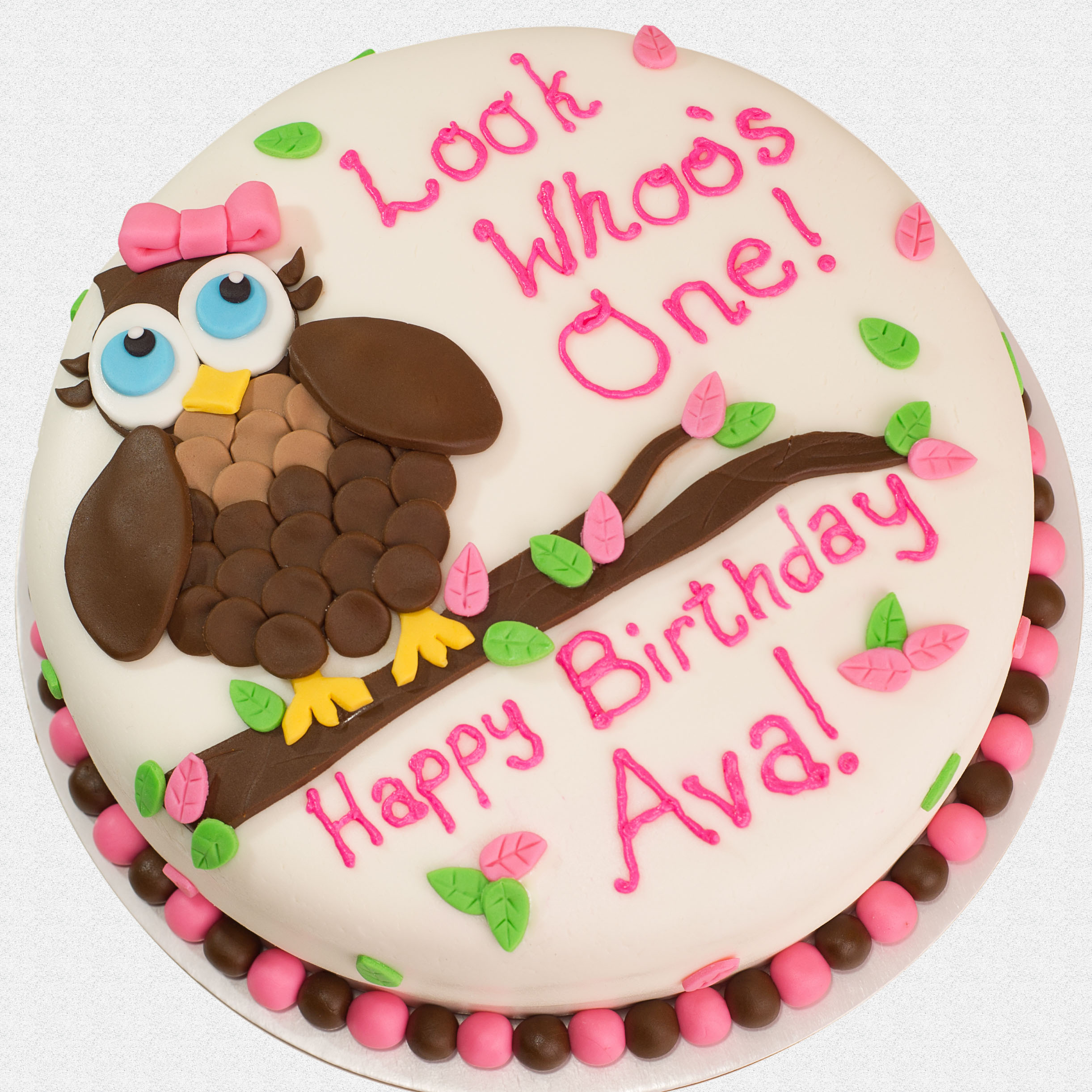 http://www.cremedelacakes.ca - Owl Cake