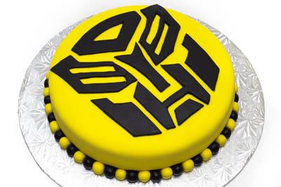 http://www.cremedelacakes.ca - Transformers Cake