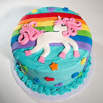 http://www.cremedelacakes.ca - Unicorns & Rainbows