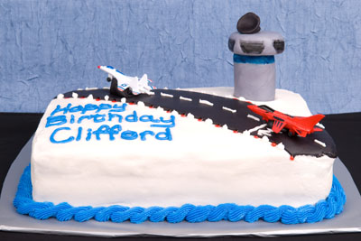 https://www.cremedelacakes.ca - Airplanes and Control Tower
