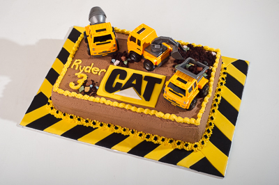 https://www.cremedelacakes.ca - CAT Cake (Caterpillar Brand)