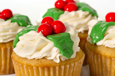 https://www.cremedelacakes.ca - Christmas Cupcakes