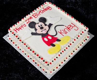 https://www.cremedelacakes.ca - Mickey Mouse Cake