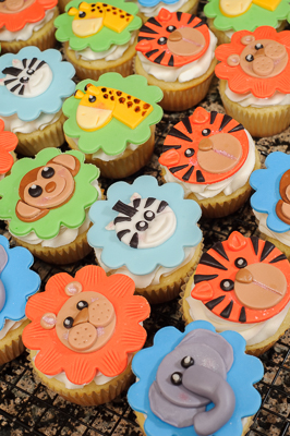 https://www.cremedelacakes.ca - Animal Cupcakes