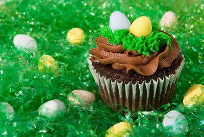 https://www.cremedelacakes.ca - Easter Cupcakes