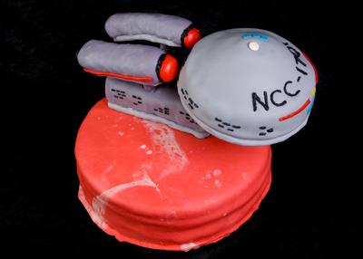 https://www.cremedelacakes.ca - Star Trek - NCC 1701