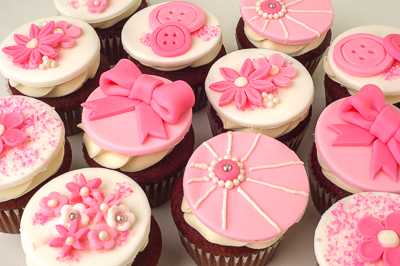https://www.cremedelacakes.ca - Elegant Cupcakes
