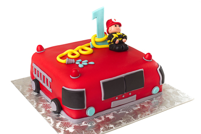 https://www.cremedelacakes.ca - Little Firetruck