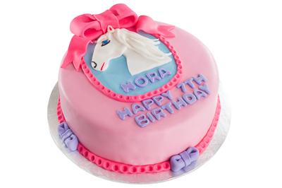 https://www.cremedelacakes.ca - Pony Cake
