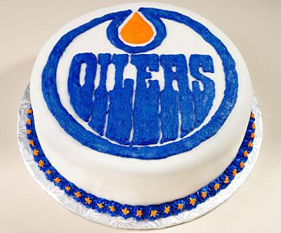 https://www.cremedelacakes.ca - Oilers Cake