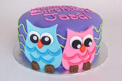 https://www.cremedelacakes.ca - Owl Cake