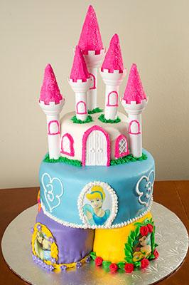 https://www.cremedelacakes.ca - Princess Castle