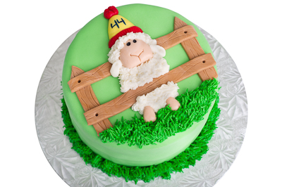https://www.cremedelacakes.ca - Sheep in a Fence