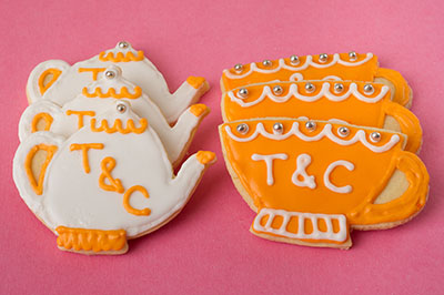 https://www.cremedelacakes.ca - Tea & Teacup Cookies