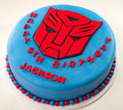 https://www.cremedelacakes.ca - Transformers Cake