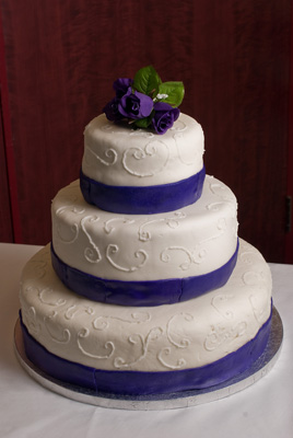 https://www.cremedelacakes.ca - 3-tier Wedding Cake with Ribbon