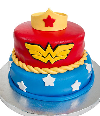 https://www.cremedelacakes.ca - Wonder Woman